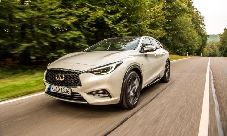 Schmuckstück: Infiniti Q30 als Alternative zu Mercedes A-Klasse