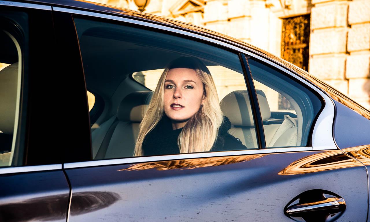 Infiniti-Q50-Shooting-in-Wien-mit-Anna-Modelshooting-Infiniti-Was-macht-die-Marke-aus-Benjamin-Brodbeck-AUTOmativ.de-Vienna-Luxus-Coupe-AUTOmativ