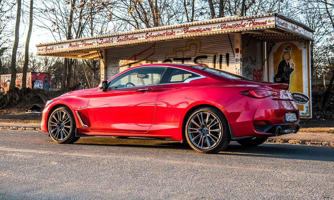 Infiniti Q60 auf dem Autosalon in Genf-Zehn-Schicht-Lackierung-Roubin-Rot-Infiniti-Mercedes-Benz-Q60-AUTOmativ.de-Benjamin Brodbeck