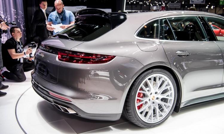 Porsche Panamera Sport Turismo auf dem Autosalon Genf 2017
