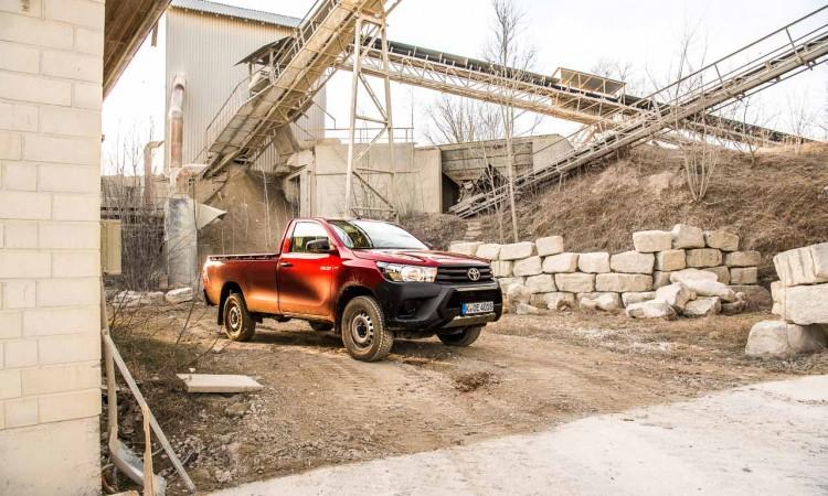 Fahrbericht Toyota Hilux Duty Einzelkabine: Steinbruch-Ungetüm und Allzweck-Monster