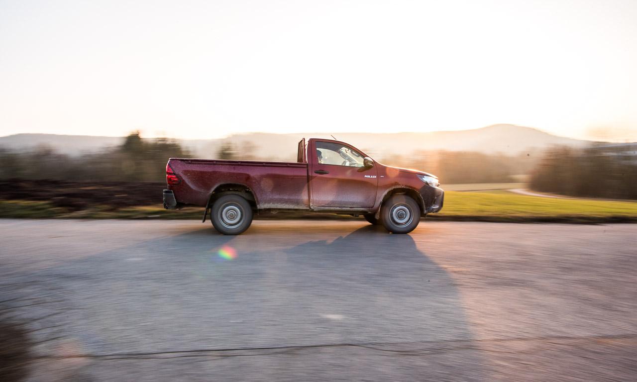 Toyota Hilux 2017 2.4 Diesel 150 PS im Test von AUTOmativ.de Benjamin Brodbeck Offroad 38 - Fahrbericht Toyota Hilux Duty Einzelkabine: Steinbruch-Ungetüm und Allzweck-Monster