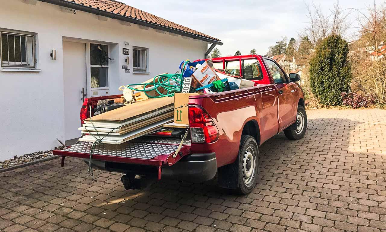 Beim Toyota Hilux Einzelkabine hat man keine Ausrede mehr, auf seinem Gerümpel setzen zu bleiben.