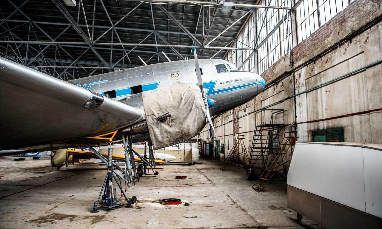 VW-Crafter-Budapest-Crafter2Craftsmen-Volkswagen-Crafter-NewCrafter-AUTOmativ-Benjamin-Brodbeck-Goldtimer-Restauration-Flugzeuge