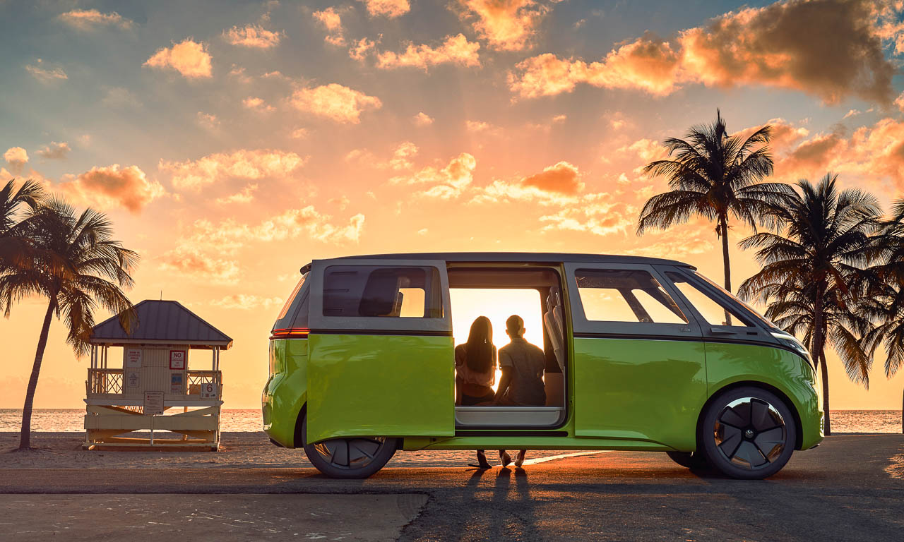 Volkswage-I.D.-Buzz-Wir-alle-wollen-romantische-Elektrobus-Momente-mit-Sonnenuntergang-AUTOmativ.de-Benjamin-Brodbeck