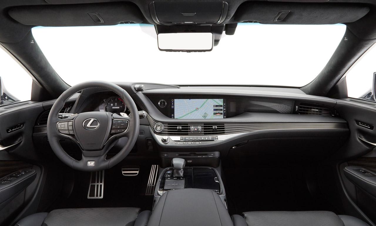 Lexus-LS500h-LS-500h-Toyota-auf-dem-Autosalon-Genf-2017-AUTOmativ.de-Benjamin-Brodbeck