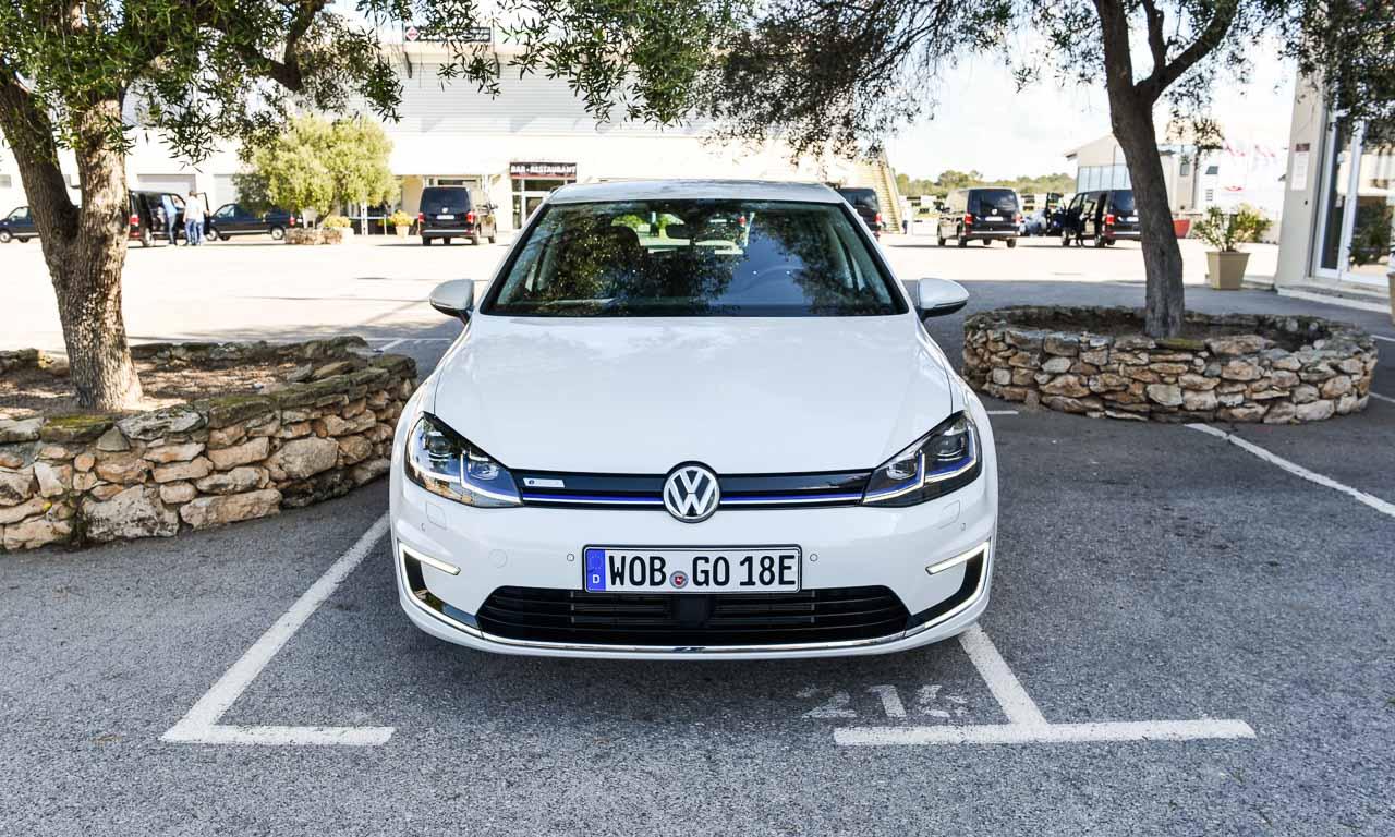 Volkswagen VW e-Golf 2017 im ersten Test und Fahrbericht