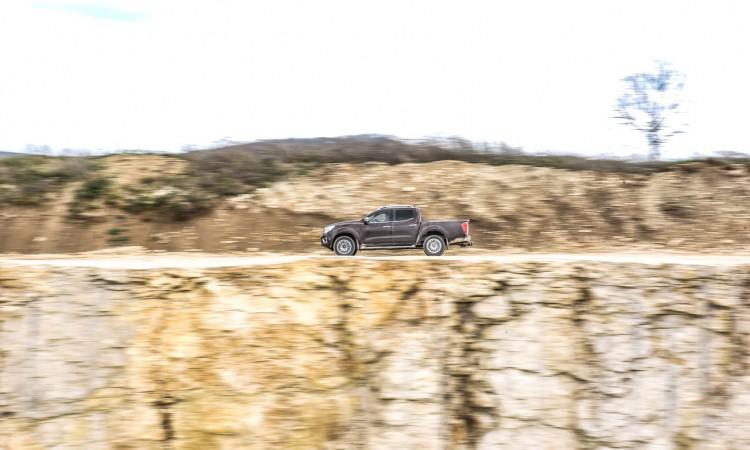1Nissan Navara PickUp Truck 4x4 2017 Offroad im Steinbruch Test von AUTOmativ.de Benjamin Brodbeck Fahrbericht 23 750x450 - Pick-Up Spezial mit VW Amarok, Toyota Hilux und Co: Unsere Top 5  Gelände-Pritschen!