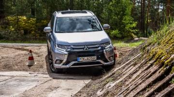 Mitsubishi Outlander PHEV Hybrid Plug-In-Hybrid im Test von AUTOmativ.de und Benjamin Brodbeck Stefan Emmerich Martin Schmidt