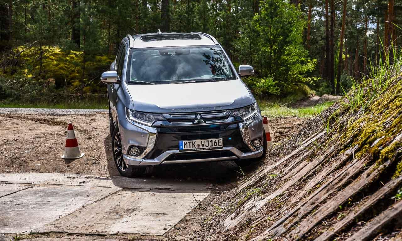 Offroad auf elektrisch: Mit dem Mitsubishi Outlander PHEV über Stock und Stein