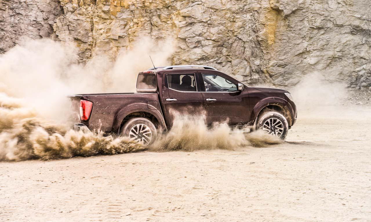 Nissan Navara PickUp Truck 4x4 2017 Offroad im Steinbruch Test von AUTOmativ.de Benjamin Brodbeck Fahrbericht 30 - Pick-Up Spezial mit VW Amarok, Toyota Hilux und Co: Unsere Top 5  Gelände-Pritschen!