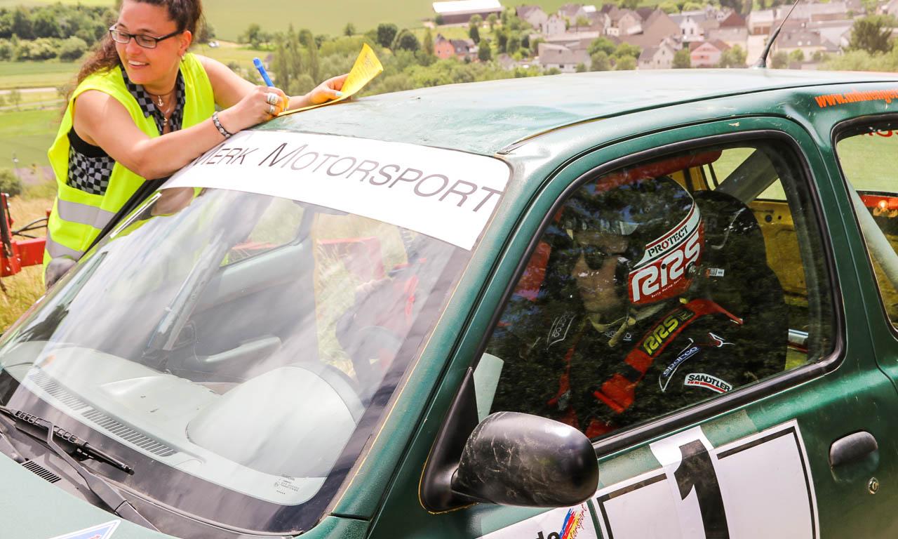 Merk Motorsport Rallye 2017 Nissan Micra AUTOmativ.de Constantin Merk Henry Miller Benjamin Brodbeck 1 5 - Unser Nissan Micra ist Dritter bei der Hombachtal-Rallye 2017 in Geisig!