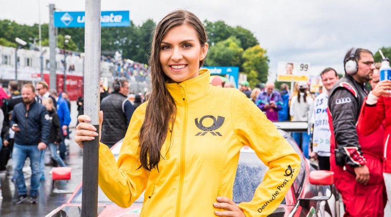 DTM Norisring 2017: Grid-Girls am Samstag voll im Regen – Bildergalerie