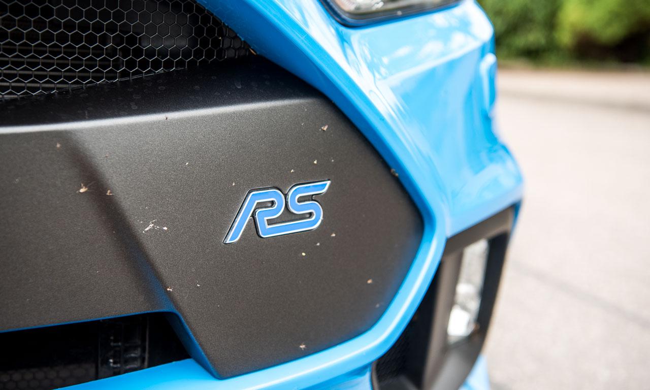 Kills bugs fast. Der ursprünglich von Porsche ausgearbeitete Spruch trifft auch für den Focus RS zu.