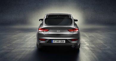 Hyundai-i30-Fastback-Weltpremiere-Mercedes-Benz-C-Klasse-Coupe-AUTOmativ.de-Benjamin-Brodbeck-7