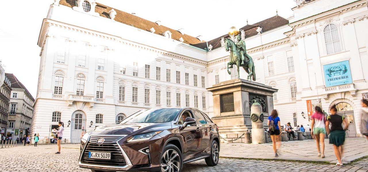 Lexus RX450h Test Fahrbericht Langstrecke Wien Stuttgart Leonberg Schloss Solitude Lexus RX Toyota AUTOmativ.de Benjamin Brodbeck 2 1280x600 - Wiener Zeitlosigkeit trifft auf asiatische Moderne: Mit dem Lexus RX 450h nach Wien