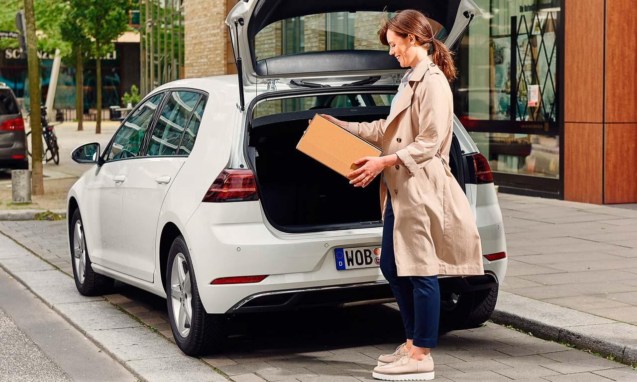 Auch Retouren können in den Kofferraum platziert werden. Der Zusteller holt dieses dann einfach ab.