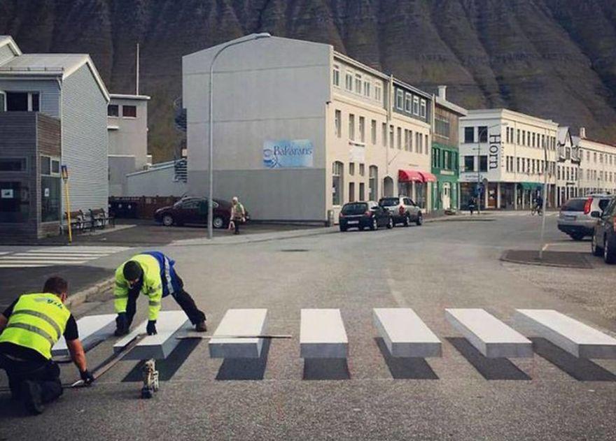 3D pedestrian crossing island 59f038c5d0cad  880 - 3D-Zebrastreifen gegen Raser in Städten - eine Alternative?