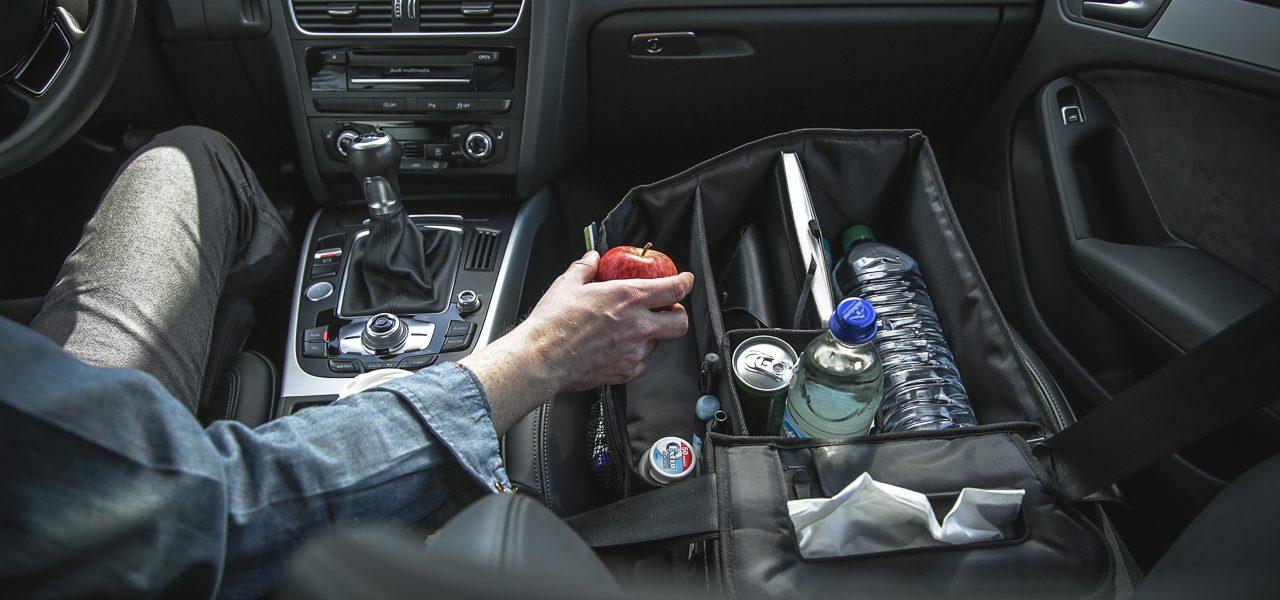 Praktisches Gadget im Auto: Slotpack sorgt für Ordnung auf dem Beifahrersitz