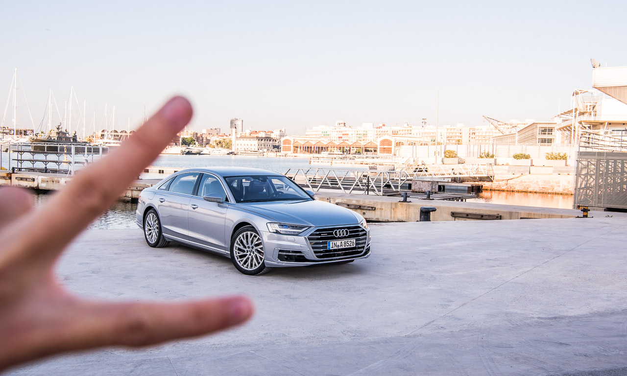 """Neuer Audi A8 2018 im ersten Fahreindruck Test Fahrbericht Neuvorstellung Benjamin Brodbeck AUTOmativ 31 - Test Audi A8 55 TFSI Langversion: """"Hallo Audi, ich habe Angst!"""""""