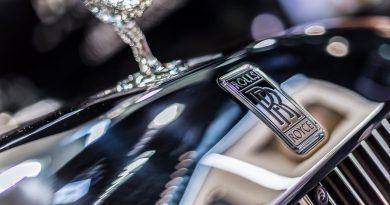 Vienna Auto Show 2018 Rundgang mit Donjeta Salihi AUTOmativ.de Benjamin Brodbeck Rolls Royce Phantom Alfa Romeo Stelvio Quadrifoglio 13 390x205 - Rolls-Royce: 37 Mythen und Legenden der britischen Luxusschmiede