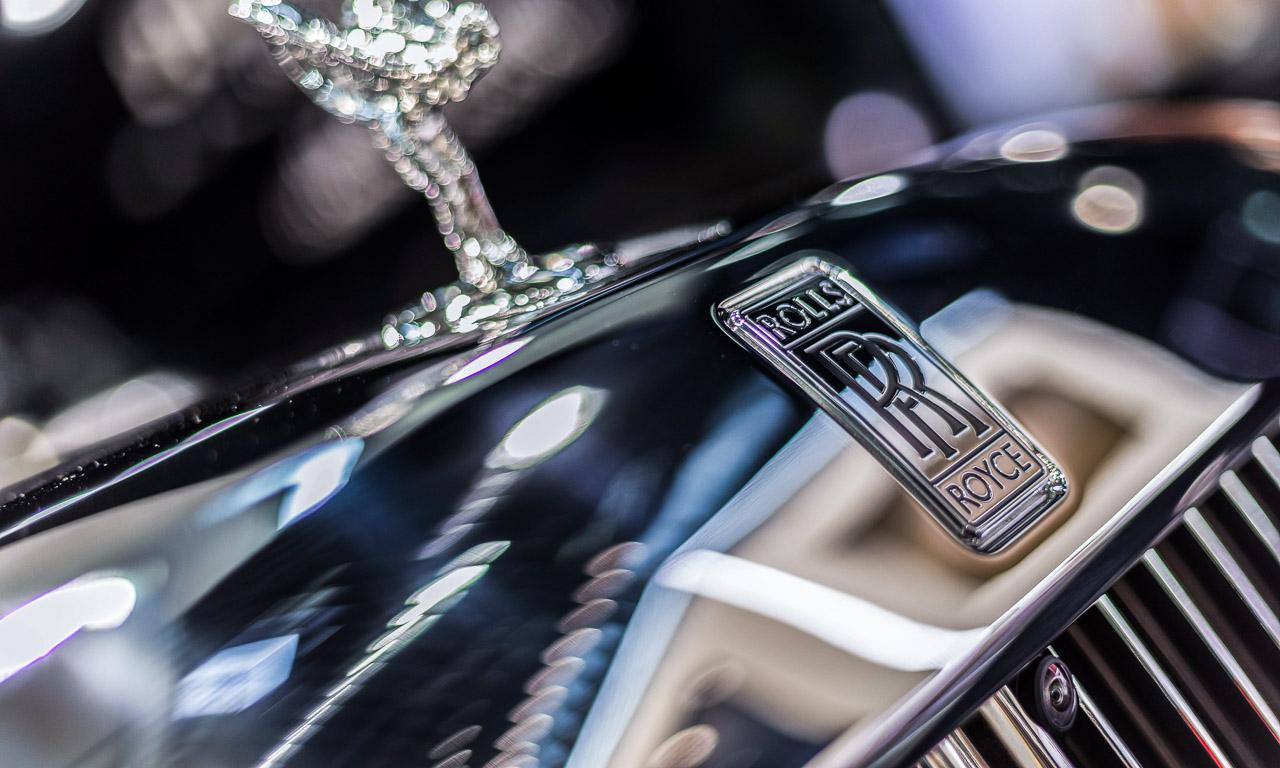 Vienna Auto Show 2018 Rundgang mit Donjeta Salihi AUTOmativ.de Benjamin Brodbeck Rolls Royce Phantom Alfa Romeo Stelvio Quadrifoglio 13 - Sitzprobe im neuen Rolls-Royce Phantom - oder doch in einer Luxusyacht?