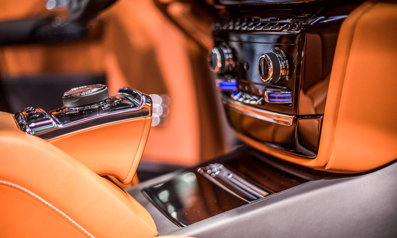 Vienna Auto Show 2018 Rundgang mit Donjeta Salihi AUTOmativ.de Benjamin Brodbeck Rolls Royce Phantom Alfa Romeo Stelvio Quadrifoglio 15 - Sitzprobe im neuen Rolls-Royce Phantom - oder doch in einer Luxusyacht?