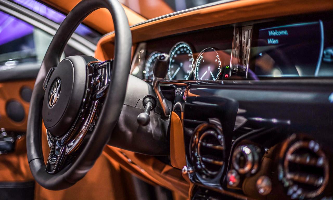 Vienna Auto Show 2018 Rundgang mit Donjeta Salihi AUTOmativ.de Benjamin Brodbeck Rolls Royce Phantom Alfa Romeo Stelvio Quadrifoglio 16 - Sitzprobe im neuen Rolls-Royce Phantom - oder doch in einer Luxusyacht?