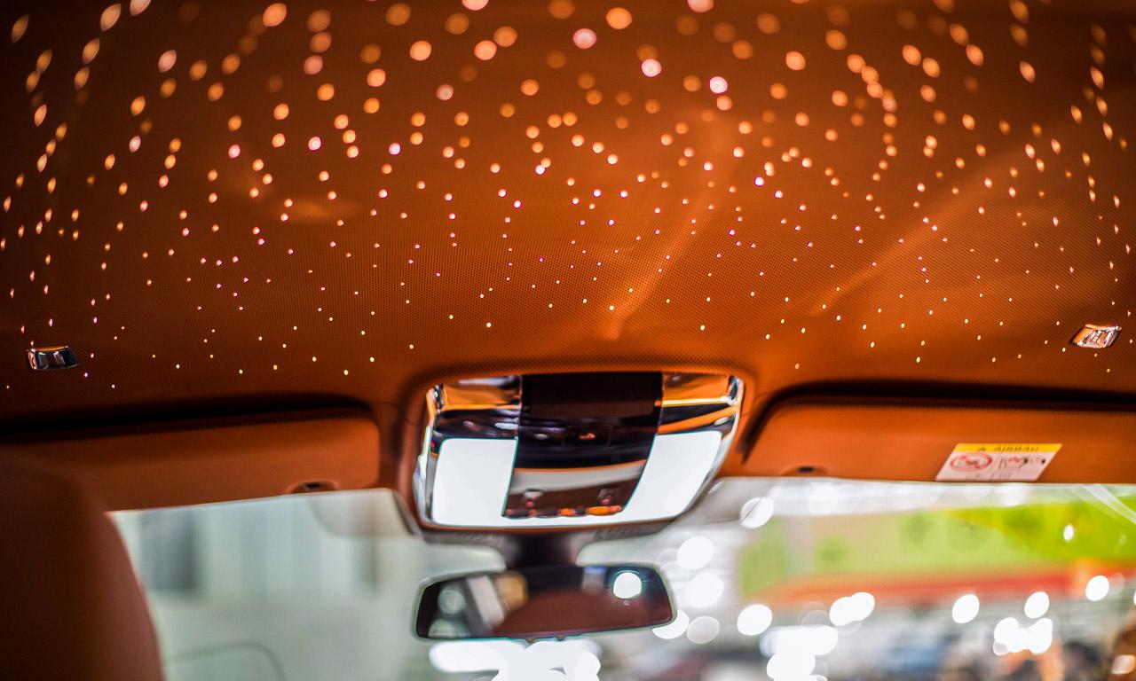 Vienna Auto Show 2018 Rundgang mit Donjeta Salihi AUTOmativ.de Benjamin Brodbeck Rolls Royce Phantom Alfa Romeo Stelvio Quadrifoglio 17 - Sitzprobe im neuen Rolls-Royce Phantom - oder doch in einer Luxusyacht?
