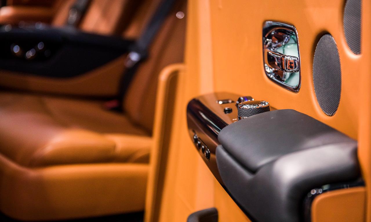 Vienna Auto Show 2018 Rundgang mit Donjeta Salihi AUTOmativ.de Benjamin Brodbeck Rolls Royce Phantom Alfa Romeo Stelvio Quadrifoglio 19 - Sitzprobe im neuen Rolls-Royce Phantom - oder doch in einer Luxusyacht?