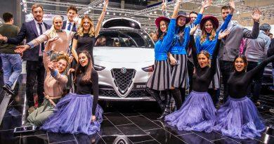 Vienna Auto Show 2018 Rundgang mit Donjeta Salihi AUTOmativ.de Benjamin Brodbeck Rolls Royce Phantom Alfa Romeo Stelvio Quadrifoglio 31 390x205 - Das war die Vienna Autoshow 2018: Danke James Watt!