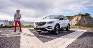 Opel Grandland X 177 PS 2.0 Liter Dieselmotor Neu Fahrbericht Test AUTOmativ.de Benjamin Brodbeck 10 390x205 - TEST: Opel Grandland X Ultimate mit neuem 177 PS starkem 2.0 Liter Turbodiesel