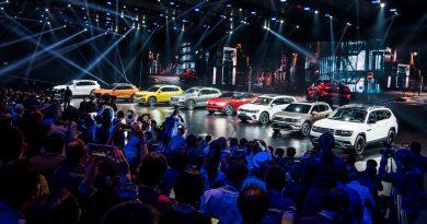 VW Volkswagen Touareg Premiere Peking 2018 SUV T Roc Langer Radstand Ateca SUV Offensive China AUTOmativ.de Benjamin Brodbeck 28 390x205 - Klare Ansage für China: Volkswagen bringt 12 neue SUV bis 2020