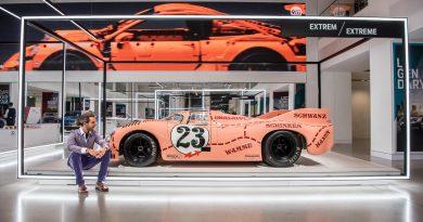 Nachts im Museum: 70 Jahre Porsche im VW Drive Group Forum Berlin Friedrichsstraße