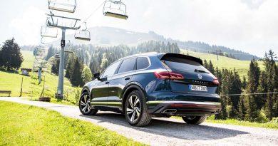 1Volkswagen VW Touareg Elegance V6 3.0 286 PS 600 Nm 2018 Fahrbericht Test Aquamarineblau Metallic Salzburg Tirol Benjamin Brodbeck AUTOmativ.de 31 390x205 - Fahrbericht neuer VW Touareg 3.0 TDI (286 PS): Dynamischer Schwergewichtsleichtfuß