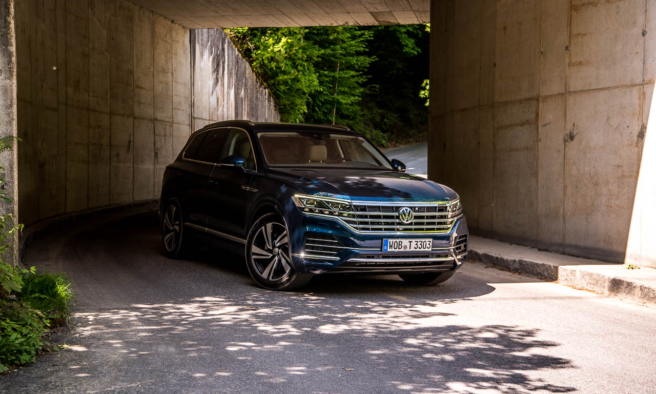 Volkswagen VW Touareg Elegance V6 3.0 286 PS 600 Nm 2018 Fahrbericht Test Aquamarineblau Metallic Salzburg Tirol Benjamin Brodbeck AUTOmativ.de 47 - Fahrbericht neuer VW Touareg 3.0 TDI (286 PS): Dynamischer Schwergewichtsleichtfuß