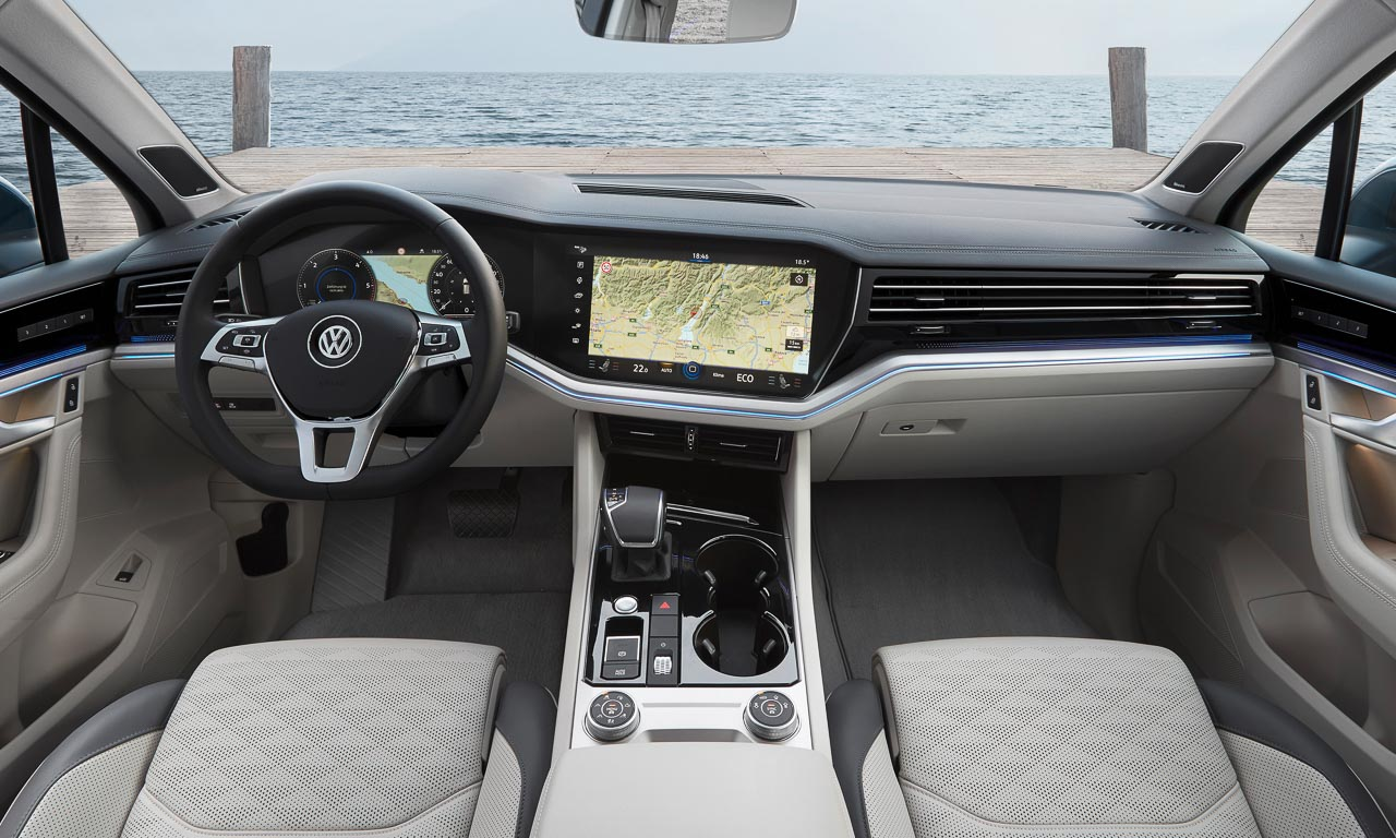 Volkswagen VW Touareg Elegance V6 3.0 286 PS 600 Nm 2018 Fahrbericht Test Aquamarineblau Metallic Salzburg Tirol Benjamin Brodbeck AUTOmativ.de 8 - Fahrbericht neuer VW Touareg 3.0 TDI (286 PS): Dynamischer Schwergewichtsleichtfuß