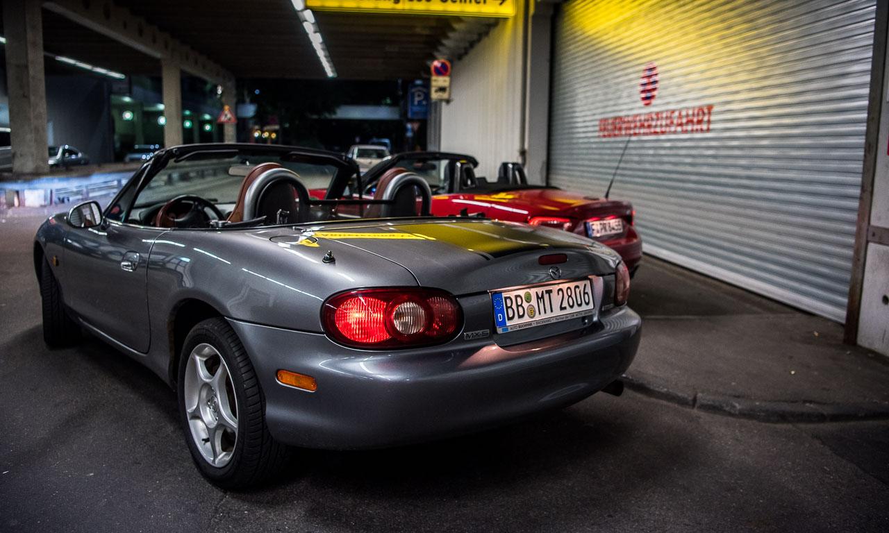 Abarth 124 Spider Test Fahrbericht AUTOmativ.de Benjamin Brodbeck Ilona Farsky Stefan Emmerich 718 Boxster Mazda MX 5 LQ 73 - Test: Kann der Abarth 124 Spider auch Gebrauchtwagen? - Vergleich Mazda MX-5 (2002)