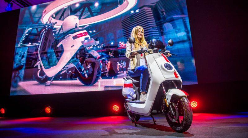 NIU N GT MPlus E Scooter E Roller Premiere in Paris AUTOmativ.de Ilona Farsky Benjamin Brodbeck 27 800x445 - Neue E-Scooter: NIU N-GT und M+ werden in Paris präsentiert - und von uns gefahren!