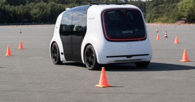 Volkswagen AG Ehra Lessien Sedric Fahren AUTOmativ.de Benjamin Brodbeck 9 390x205 - Prognose: Wie beeinflussen selbstfahrende Autos die Verkehrsstatistiken?