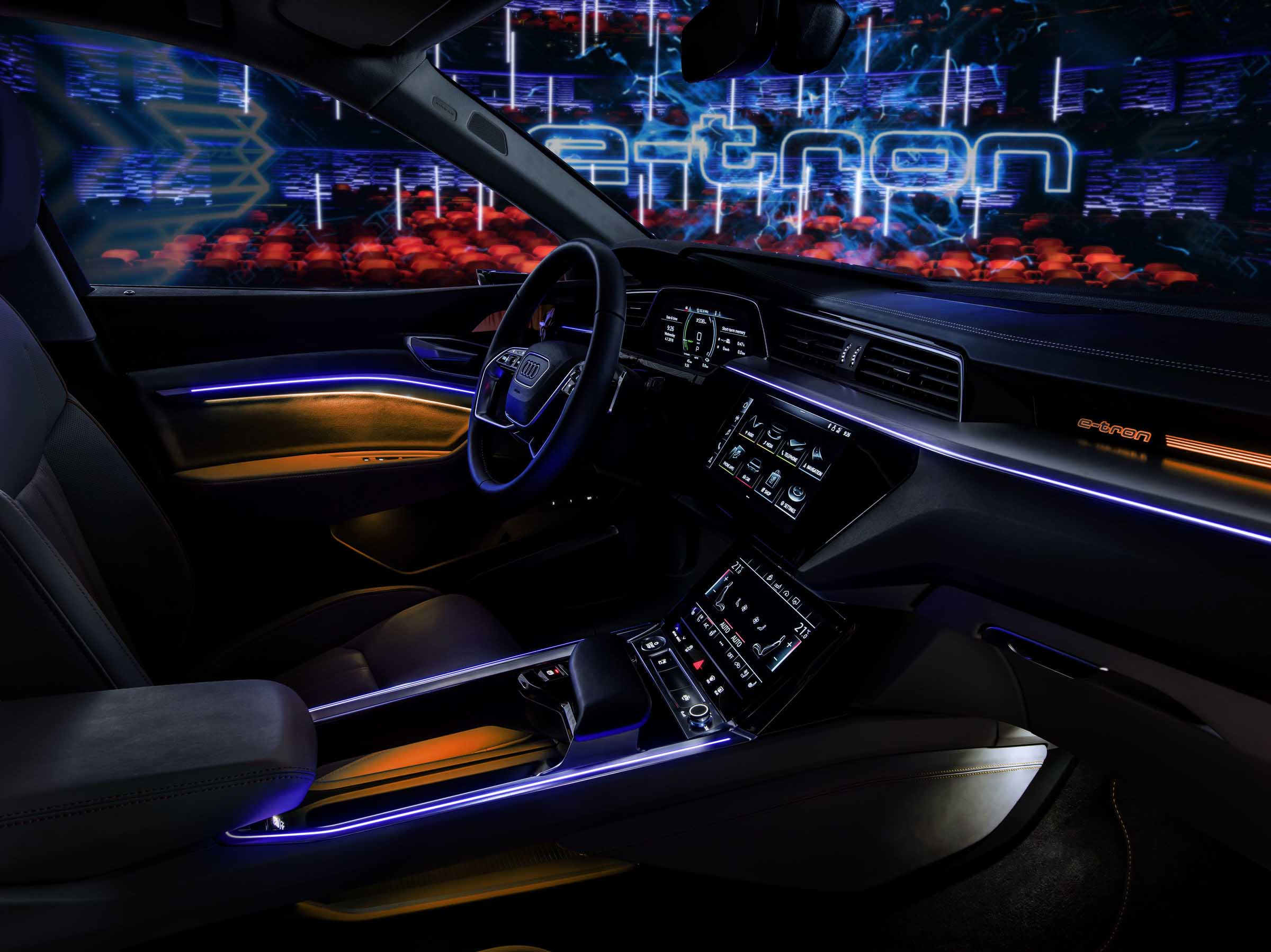 A187615 overfull - Erstes Audi Elektroauto: Audi e-tron feiert sonnige Supersause in Kopenhagen