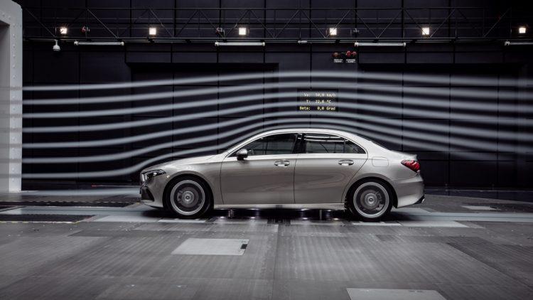 Beitrag 2 750x422 - Heute ist alles nur noch Mainstream - auch die neue Daimler A-Klasse Limousine