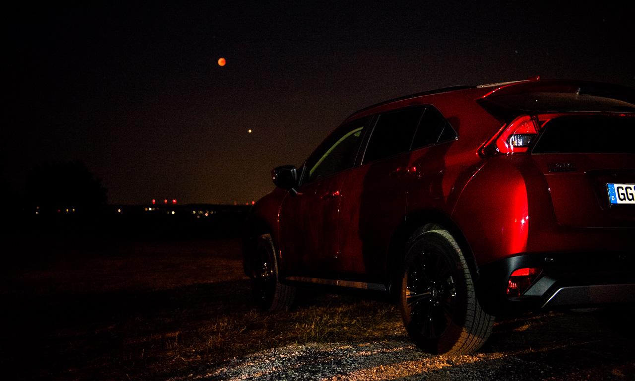 Mitsubishi Eclipse Cross Mondfinsternis Blutmond Deutschland Frankfurt AUTOmativ.de Benjamin Brodbeck 10 - Die Eclipse mit dem Mitsubishi Eclipse Cross betrachten - und ganz vielen Aliens!