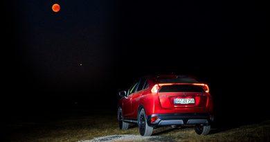 Die Eclipse mit dem Mitsubishi Eclipse Cross betrachten – und ganz vielen Aliens!