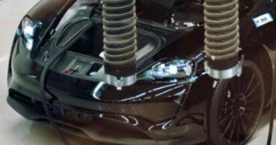 Porsche Taycan Spotted MissionE AUTOmativ.de  390x205 - Porsche Taycan: Erstes ungetarntes Bild und alle Vorab-Infos des Porsche Elektroautos