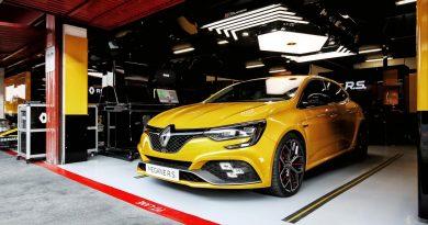 Na endlich: der neue Renault Mégane R.S. Trophy mit 300 PS ist da!