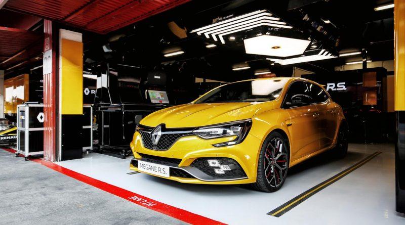 Renault Megane R.S. Trophy 800x445 - Na endlich: der neue Renault Mégane R.S. Trophy mit 300 PS ist da!
