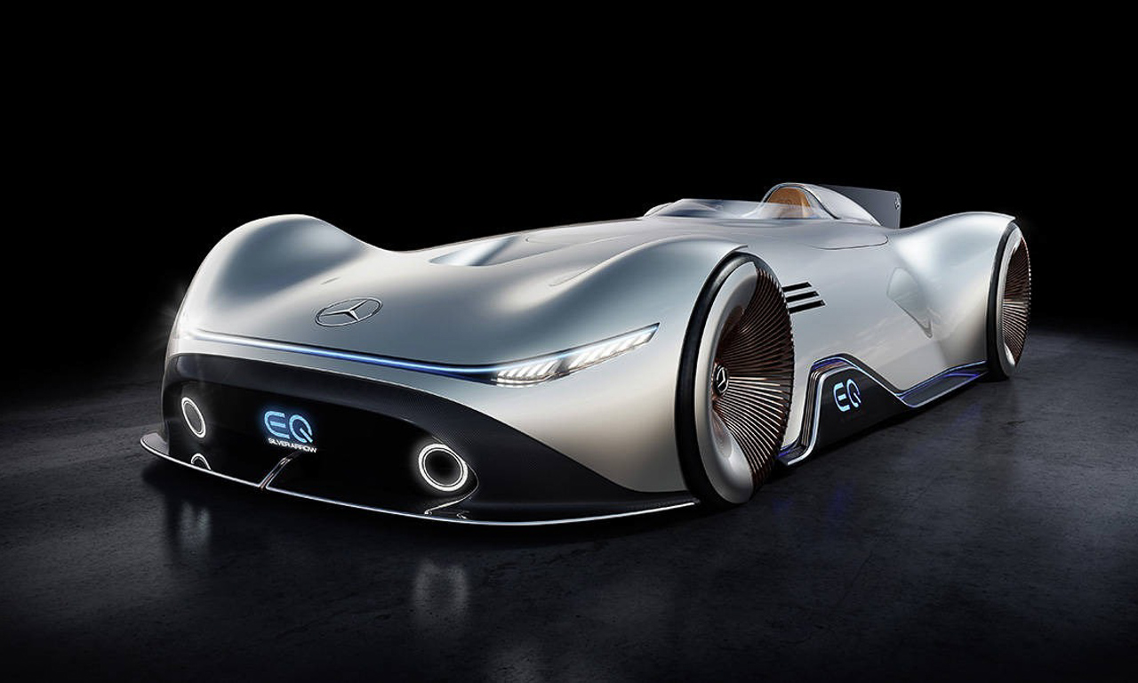 Mercedes Benz EQ Silver Arrow - Mercedes-Benz EQ Silver Arrow: Eine Komposition aus 1937 und 2040