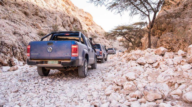 Volkswagen VW Amarok Experience Tour 2018 Oman VW Nutzfahrzeuge Volkswagen Nutzfahrzeuge VW Amarok Offroad AUTOmativ.de Benjamin Brodbeck 14 800x445 - Pick-Up Spezial mit VW Amarok, Toyota Hilux und Co: Unsere Top 5  Gelände-Pritschen!