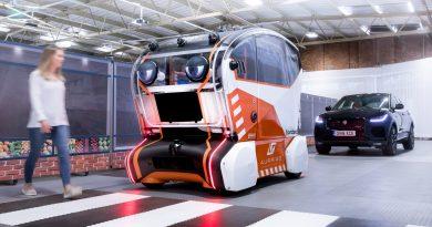 Jaguar Land Rover virtuelle Augen autonomes Fahrzeug AUTOmativ.de Benjamin Brodbeck 2 390x205 - Jaguar baut autonomes Fahrzeug mit Augen - und es erinnert an einen Horrorfilm